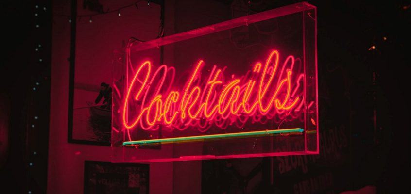 Cocktails Neon Signage for Serving Alcohol bar